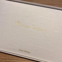 式場オリジナルの結婚証明書。