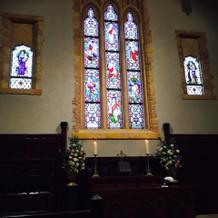 教会のステンドグラスがとてもキレイ