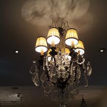 披露宴会場のライト
