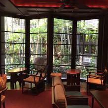ゲスト用の待合ロビーは竹林が美しいです。