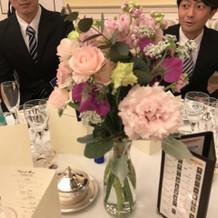 各テーブルの花