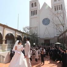 中庭から見た大聖堂。