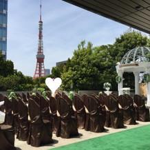 屋上チャペルからは東京タワーが見えます