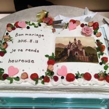 ウェディングケーキはデザインできました