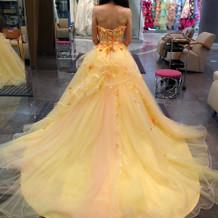 桂由美ブランドのドレスです