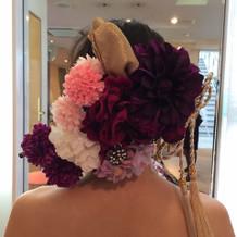 和ドレス付属の髪飾り、試着時の写真