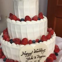 ケーキはシンプルにお任せにしました