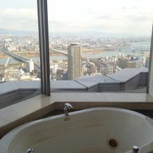 大阪市を一望できるお部屋でした。