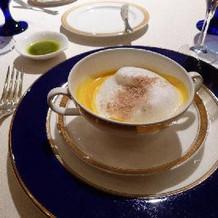 カプチーノ仕立てのスープ