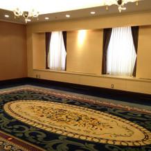 広くて重厚感のある、親族控え室。