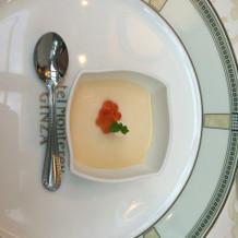 雲丹の洋風茶碗蒸し。濃厚で美味。