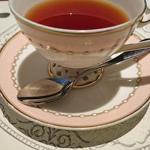 紅茶のカップがかわいいです。