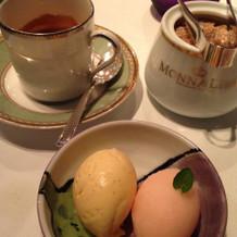 コーヒーとアイスクリーム。