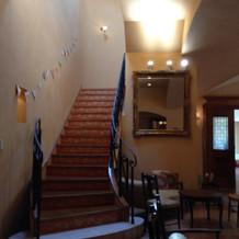 待合室の階段