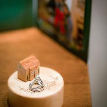 結婚・婚約指輪を飾り撮りしてくれました