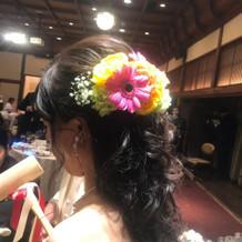 お色直し時の頭につけたお花。