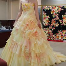 桂由美さんのカラードレス