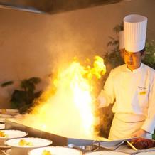 目の前で焼いてくれるステーキ