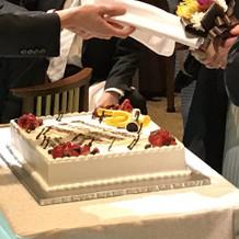 ウエディングケーキもすてき!