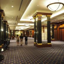 披露宴会場の廊下