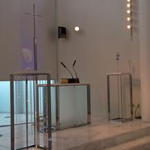 司祭台スペース(大理石製)