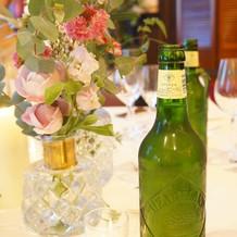 おしゃれなテーブル装花