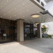 乃木会館の正面玄関