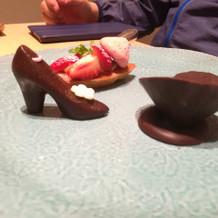 ハイヒールと、ダイヤリングのチョコレート