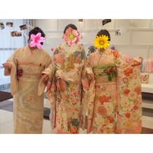 姉妹の衣装もNIHOでレンタル