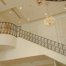 室内に大階段!