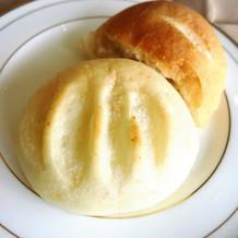 貝の形のパン