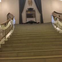 螺旋階段。上から下ります。