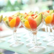 デザートビュッフェのフルーツ