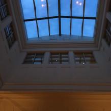 チャペルの天井が高い