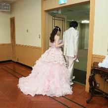 お色直しのカラードレス後ろからです。