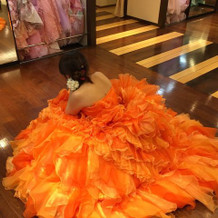 カラードレス試着②
