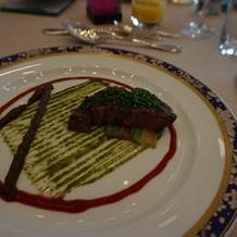 国産牛フィレ肉のポワレトリュフ茸ソース