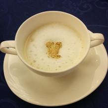 隠れミッキー付きのスープ