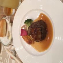 ステーキとフォアグラのステーキ