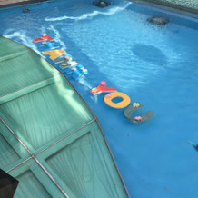 プールに文字を浮かべられます♪