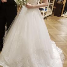 挙式、披露宴で着用したドレスです。