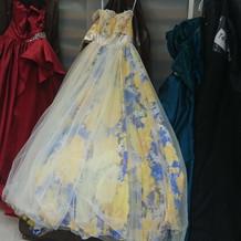 1番高いカラードレスだそうです
