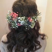 カクテルドレスの時の髪飾り(生花)