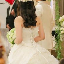 ヘア装花、ドレス