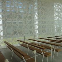リングで造られており、窓以上の解放感