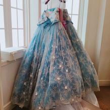 運命のドレスに出会えました。
