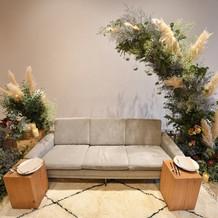 ソファーは装花で一番のこだわり