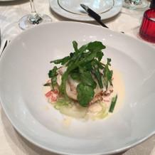 白身魚のギャレット軽い白ワインソース
