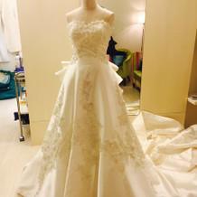 桂由美さんのドレス