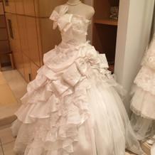 可愛い白ドレスがありました。